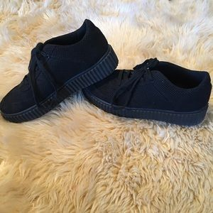 Qupid black casual shoe. As is